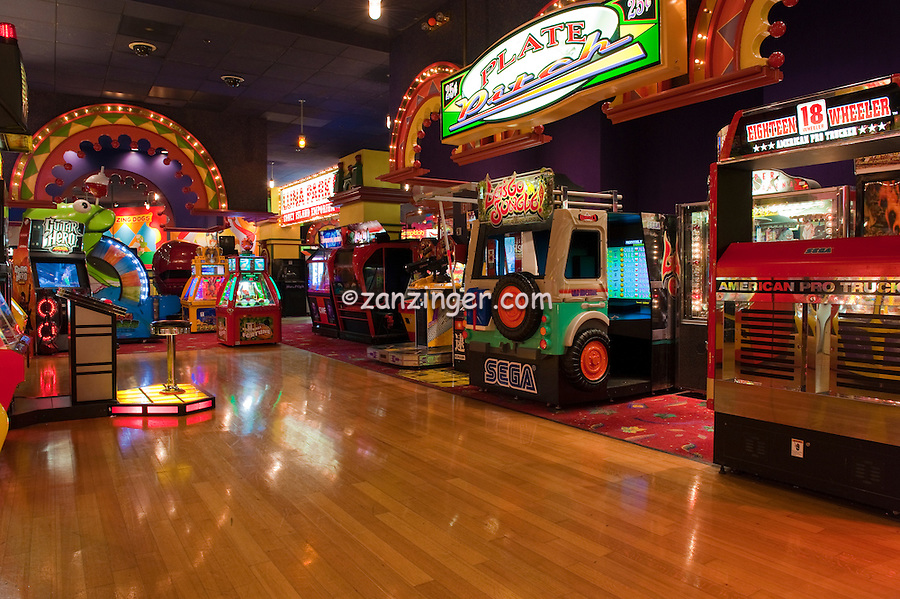 Arcade Amusements with prizes, stuffed animals, Las Vegas, Nevada, New York, NY, Hotel, and, Casino Resort, Travel; Destination; View; Unique; Quality