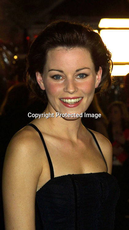 "©2002 KATHY HUTCHINS / HUTCHINS PHOTO."" CATCH ME IF YOU CAN"" PREMIERE.WESTWOOD, CA. 12/16/02.ELIZABETH BANKS"