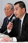 May 18th, 2011, Tokyo, Japan - President Masaru Onishi of Japan Airlines reports its fiscal 2010 business results during a news conference at its head office in Tokyo on Wednesday, May 18, 2011. JAL reported an operating profit for fiscal 2010 much larger than targeted in its rehabilitation plan, by booking a group operating profit of 188.4 billion yen for fiscal 2010 ended March 31, compared with a targeted profit of 64.1 billion yen. At left is JAL Chairman Kazuo Inamori. (Photo by AFLO) [3609] -mis-