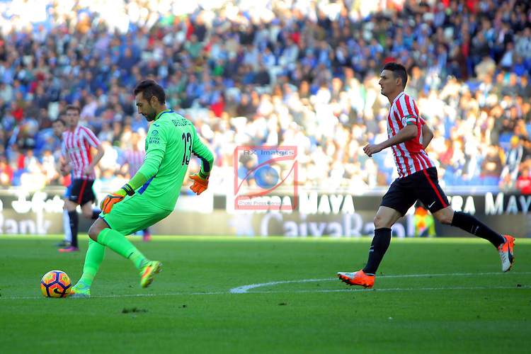 League Santander 2016/2017. Game: 11.<br /> RCD Espanyol vs Athletic Club: 0-0.<br /> Diego Lopez vs Aritz Aduriz.