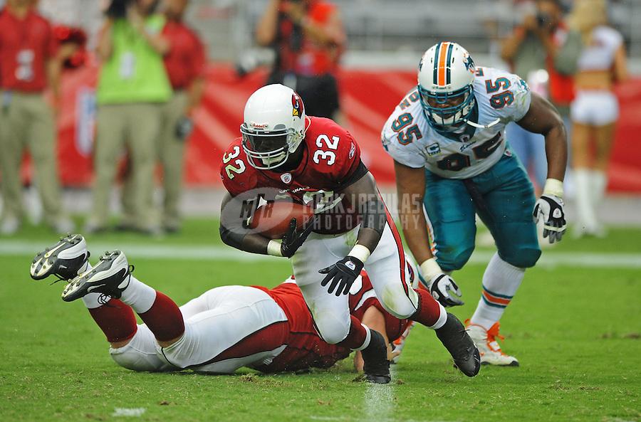 Sept. 14, 2008; Glendale, AZ, USA; Arizona Cardinals running back (32) Edgerrin James runs the ball against the Miami Dolphins at University of Phoenix Stadium. Mandatory Credit: Mark J. Rebilas-