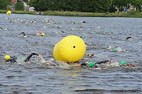 TRIATHLON: HEERENVEEN: 23-05-2015, CLAFIS Triathlon Heerenveen, Olympische klasse, winnaar Omar Brons, ©foto Martin de Jong