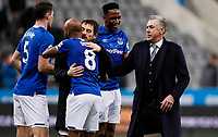 Everton manager Carlo Ancelotti embraces with his players during the Premier League match at St. James s Park, Newcastle. Picture date: 28th December 2019. Picture credit should read: James Wilson/Sportimage PUBLICATIONxNOTxINxUK SPI-0400-0054<br /> Everton Vs Newcastle <br /> Foto Imago/Insidefoto <br /> ITALY ONLY