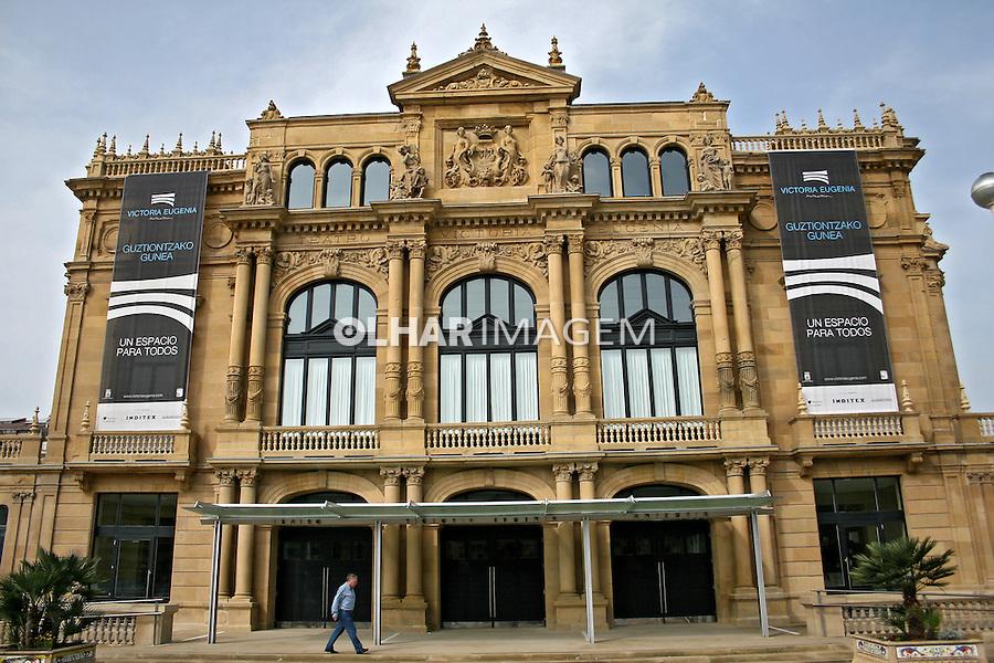 Edifício do teatro em San Sebastian, Espanha. 2007. Foto de Marcio Nel Cimatti.