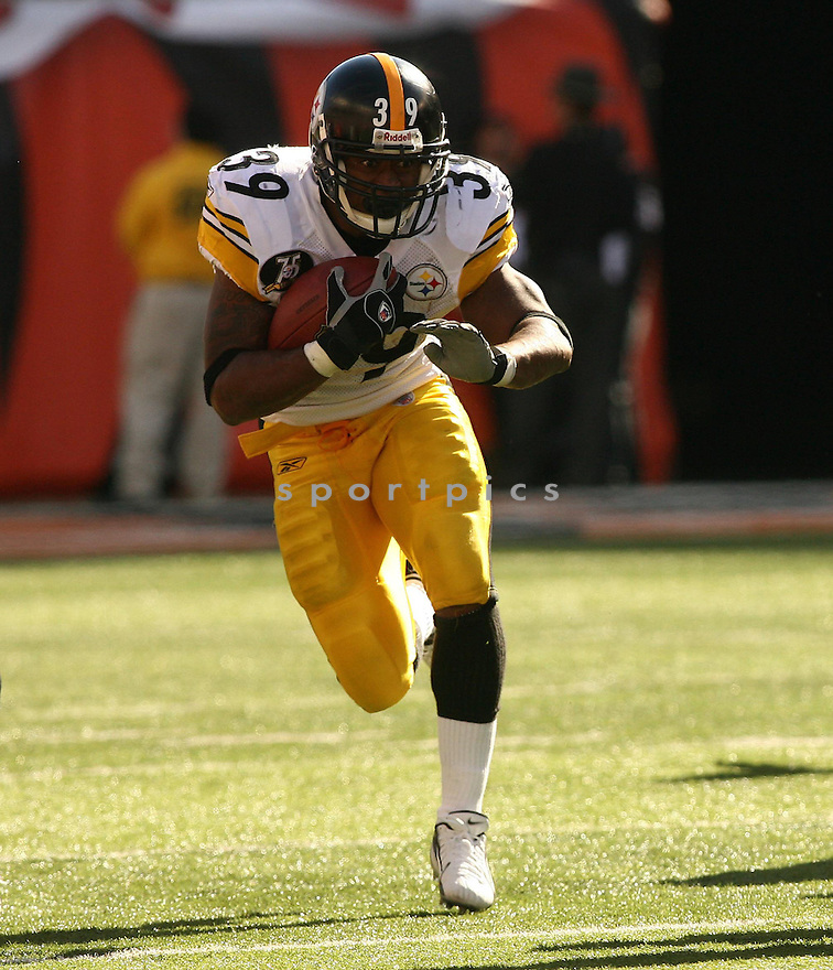 WILLIE PARKER, of the Pittsburgh Steelers, in action during the Steelers games against the Cincinnati Bengals, in Cincinnati, Ohio on October 28, 2007.  ..The Steeler won the game 24-13...COPYRIGHT / SPORTPICS..........