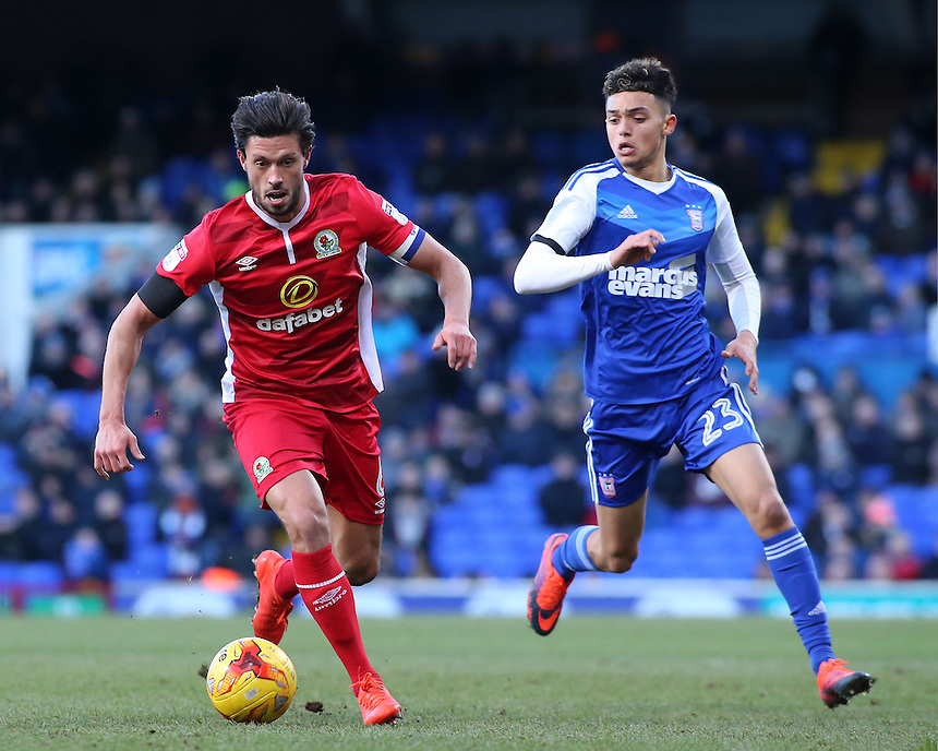 Blackburn Rovers' Jason Lowe gets away from Ipswich Town's Andre Dozzell<br /> <br /> Photographer David Shipman/CameraSport<br /> <br /> The EFL Sky Bet Championship - Ipswich Town v Blackburn Rovers - Saturday 14th January 2017 - Portman Road - Ipswich<br /> <br /> World Copyright &copy; 2017 CameraSport. All rights reserved. 43 Linden Ave. Countesthorpe. Leicester. England. LE8 5PG - Tel: +44 (0) 116 277 4147 - admin@camerasport.com - www.camerasport.com