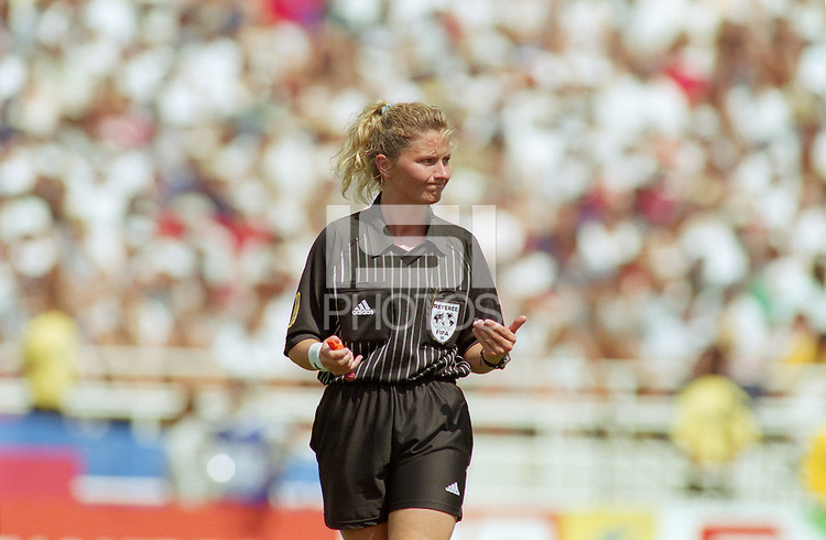 Los Angeles, CA - July 10, 1999: USA vs China, Women's World Cup 1999 Finals. USA 0, China 0. USA wins 5-4 on penalty kicks.
