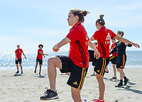 20180302 - LARNACA , CYPRUS :  Belgian Davina Philtjens pictured during a Muscular warm up training session on the beach before a women's soccer game between The Belgian Red Flames and Spain , on friday 2 March 2018 on the CTO Beach in Larnaca , Cyprus . The game will be the second game in group B for Belgium during the Cyprus Womens Cup , a prestigious women soccer tournament as a preparation on the World Cup 2019 qualification duels. PHOTO SPORTPIX.BE | DAVID CATRY