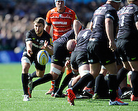 Richard Wigglesworth of Saracens passes from the base of a scrum during the Aviva Premiership Rugby match between Saracens and Leicester Tigers at Allianz Park on Saturday 11th April 2015 (Photo by Rob Munro)