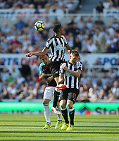 Newcastle United's Isaac Hayden and Matt Ritchie get in front of West Ham United's Mark Noble<br /> <br /> Photographer Rob Newell/CameraSport<br /> <br /> The Premier League - Newcastle United v West Ham United - Saturday 26th August 2017 - St James' Park - Newcastle<br /> <br /> World Copyright &copy; 2017 CameraSport. All rights reserved. 43 Linden Ave. Countesthorpe. Leicester. England. LE8 5PG - Tel: +44 (0) 116 277 4147 - admin@camerasport.com - www.camerasport.com