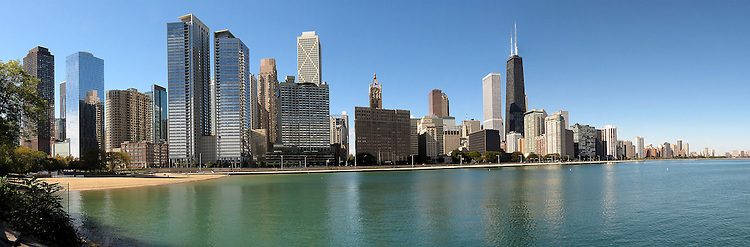 Chicago scenes:  The Chicago skyline on Lake Michigan, Streeterville and Near North neighborhoods in Chicago, Il. (Photo by Jamie Moncrief)