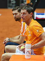 13 April, 2016, France, Trélazé, Arena Loire,   Semifinal FedCup, France-Netherlands, Dutch team warming up, captain Paul Haarhuis and left fysio Edwin Visser<br /> Photo:Henk Koster/tennisimages
