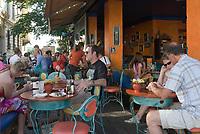 HUN, Ungarn, Budapest, Stadteil Buda, Burgviertel: Cafe Miró in der Herrengasse (Úri utca)   HUN, Hungary, Budapest, Castle District: Cafe Miró at lane Úri utca