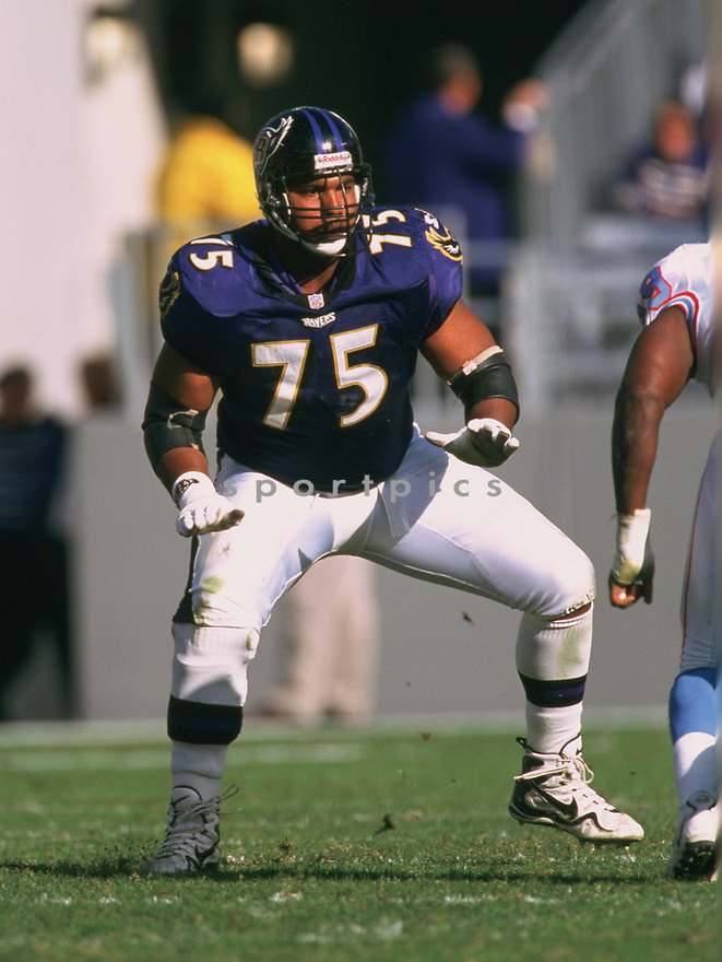 Baltimore Ravens Jonathan Ogden (75) during a game from his 1998 season with the Baltimore Ravens. Jonathan Ogden played for 12 seasons all with the Baltimore Ravens. was an 11-time Pro Bowler  and was inducted into the Pro Football Hall of Fame in 2003.<br /> (SportPics)