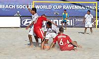 RAVENNA, ITALIA, 10 DE SETEMBRO 2011 - MUNDIAL BEACH SOCCER / EL SALVADOR X RUSSIA - Jogador es da Russia , durante a partida contra o El Salvador, válida pela semi-final do Mundial de Futebol de Areia no Estádio Del Mare, em Ravenna, na Itália, neste sábado (10).FOTO: VANESSA CARVALHO - NEWS FREE