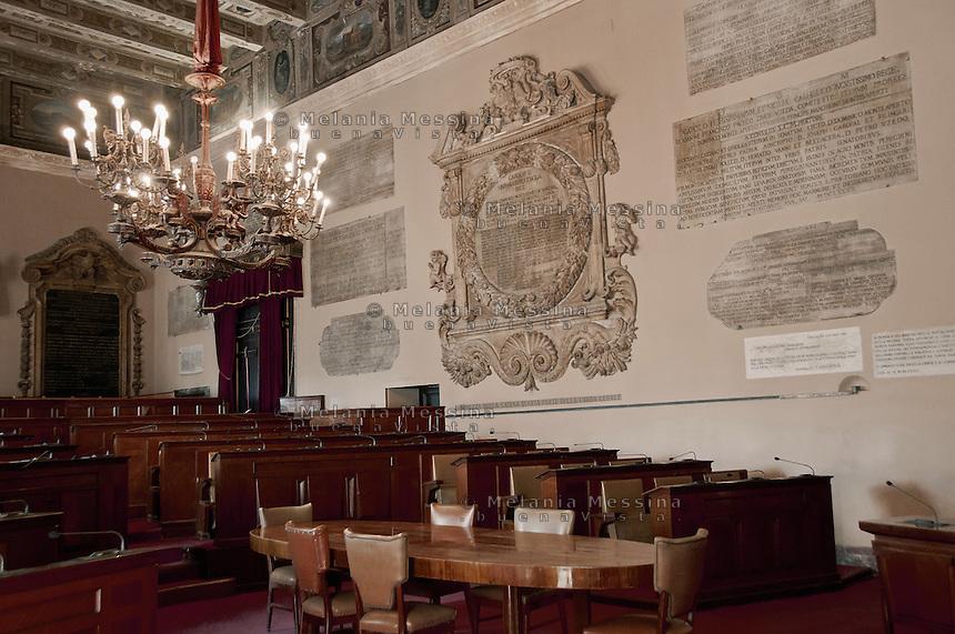 Palermo; palazzo delle aquile, sala delle lapidi