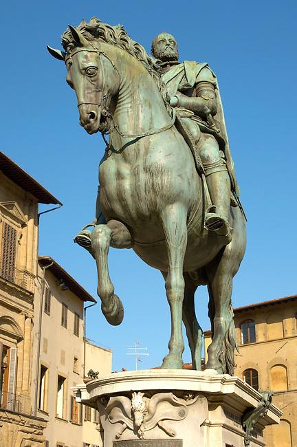 Statue of Cosimo Medicci  - Plazza Della Signora - Florence Italy.