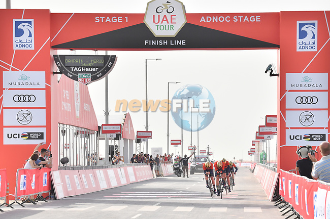 Bahrain-Merida approach the finish line of Stage 1 of the 2019 UAE Tour, a team time trial running 16km around Al Hudayriat Island, Abu Dhabi, United Arab Emirates. 24th February 2019.<br /> Picture: LaPresse/Massimo Paolone | Cyclefile<br /> <br /> <br /> All photos usage must carry mandatory copyright credit (© Cyclefile | LaPresse/Massimo Paolone)