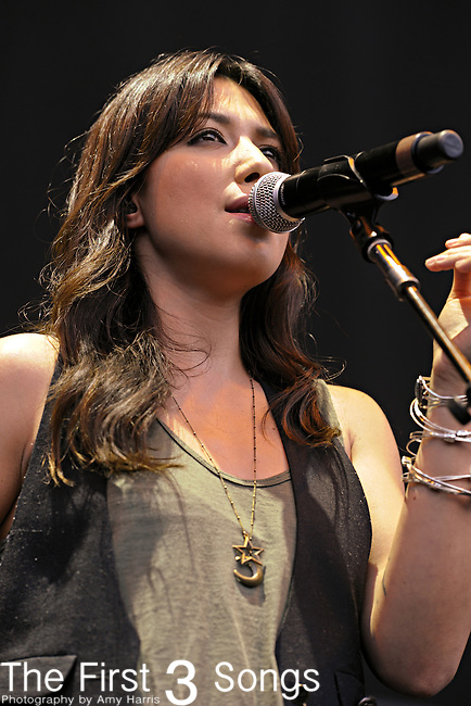 Michelle Branch performs at Lifestyle Communities Pavilion in Columbus, Ohio on August 2, 2011.