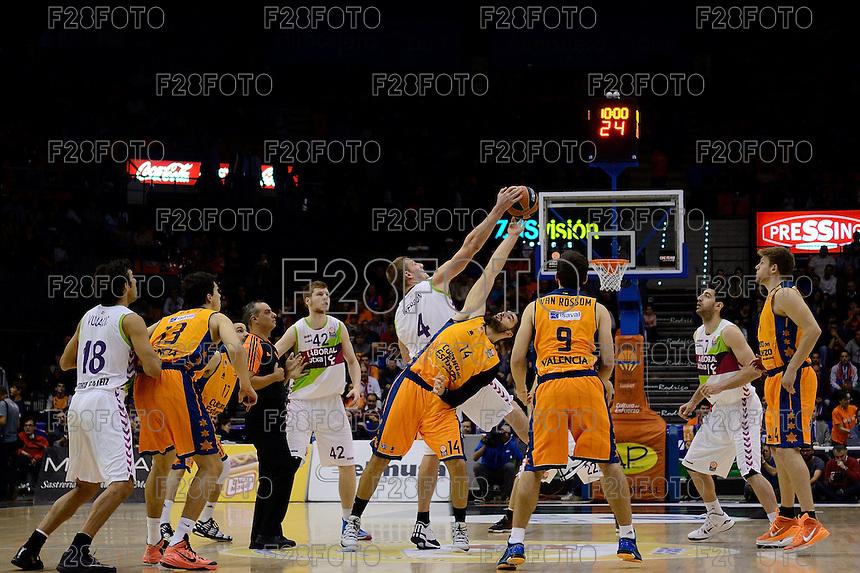 Salto inicial Dubljevic vs Iverson<br /> Euroleague - 2014/15<br /> Regular season Round 4<br /> Valencia Basket vs Laboral Kutxa Vitoria