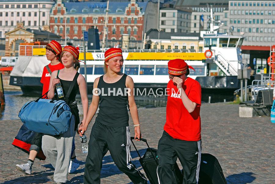 Jovens em Helsinki. Finlândia. 2007. Foto de Vinicius Romanini.