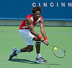 Gael Monfils battles against Ivan Dodig at the Western and Southern Financial Group Masters Series in Cincinnati on August 17, 2011