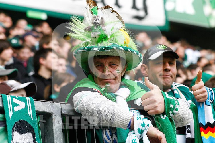 12.03.2010, Volkswagen Arena, Wolfsburg, GER, 1.FBL, VfL Wolfsburg vs 1.FC Nuernberg, im Bild zuversichtliche Wolfsburger Fans .Foto © nph / Schrader