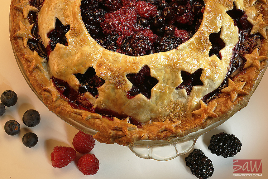 Fourth of July theme Berry pie. Photographed in the Times studio, June 20, 2007.