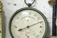 hygrometer domaine gerard neumeyer alsace france