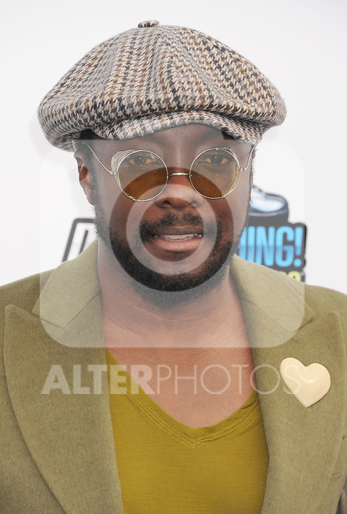 SANTA MONICA, CA - AUGUST 19: will.i.am of Black Eyed Peas arrive at the 2012 Do Something Awards at Barker Hangar on August 19, 2012 in Santa Monica, California. /NortePhoto.com....**CREDITO*OBLIGATORIO** ..*No*Venta*A*Terceros*..*No*Sale*So*third*..*** No Se Permite Hacer Archivo**