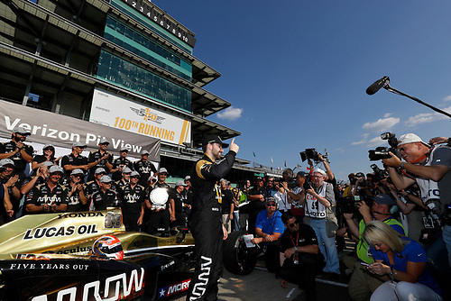 21-22 May, 2016, Indianapolis, Indiana, USA<br /> Verizon P1 Pole Award James Hinchcliffe <br /> ©2016, Michael L. Levitt<br /> LAT Photo USA