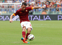 Calcio, Serie A: Roma vs Cagliari. Roma, stadio Olimpico, 21 settembre 2014.<br /> Roma midfielder Alessandro Florenzi in action during the Italian Serie A football match between AS Roma and Cagliari at Rome's Olympic stadium, 21 September 2014.<br /> UPDATE IMAGES PRESS/Riccardo De Luca