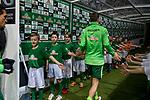 12.03.2018, Weser Stadion, Bremen, GER, 1.FBL, Werder Bremen vs 1.FC Koeln, im Bild<br /> Einlaufkids im Tunnel<br /> <br /> Foto &copy; nordphoto / Kokenge