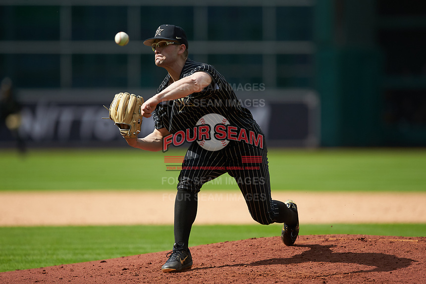 Vanderbilt Commodores relief pitcher Jackson Gillis (35) delivers a pitch to the plate against the Sam Houston State Bearkats in game one of the 2018 Shriners Hospitals for Children College Classic at Minute Maid Park on March 2, 2018 in Houston, Texas. The Bearkats walked-off the Commodores 7-6 in 10 innings.   (Brian Westerholt/Four Seam Images)