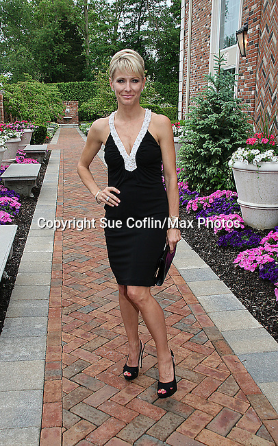Kelley Menighan Hensley - ATWT at the benefit Angels for Hope which benefits St. Jude Children's Research Hospital on May 29, 2009 at the Estate at Florentine Gardens, Rivervale, NJ. (Photo by Sue Coflin/Max Photos)
