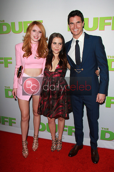 Bella Thorne, Mae Whitman, Robbie Amell<br />