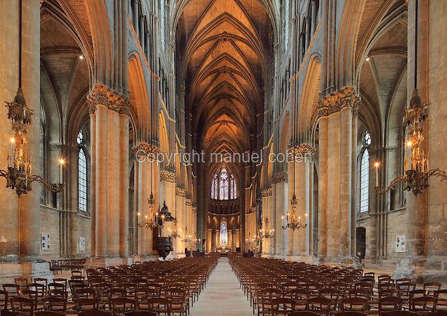 Nave of the Cathedrale Notre-Dame de Reims or Reims Cathedral, Reims, Champagne-Ardenne, France. The cathedral was built 1211-75 in French Gothic style with work continuing into the 14th century, and was listed as a UNESCO World Heritage Site in 1991. Picture by Manuel Cohen