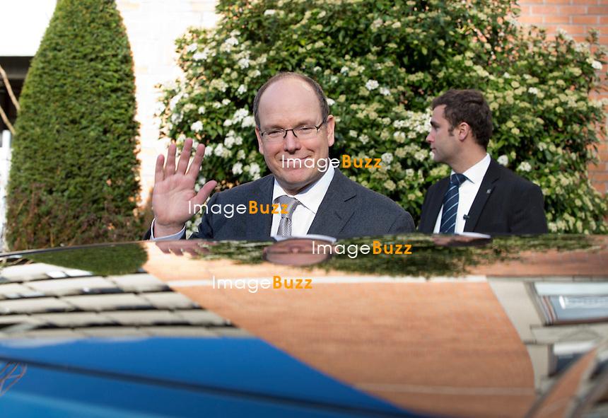 Le Prince Albert II de Monaco de passage &agrave; Bruxelles, rencontre son Altesse Royale la Princesse Astrid de Belgique et le Prince Lorenz de Belgique dans les locaux de l' Organisation europ&eacute;enne pour la recherche et le traitement du cancer &quot; EORTC &quot; dont il assurera d&eacute;sormais la Pr&eacute;sidence d'honneur..<br /> <br /> Prince Albert II of Monaco meets with Princess Astrid of Belgium and Prince Lorenz of Belgium during a meeting in Brussels  at &quot; EORTC &quot; European Organisation for Research and Treatment of cancer. Belgium, Brussels, January 24, 2014.