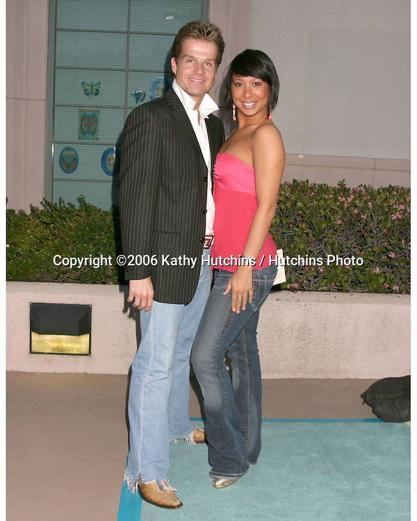 Louis Van Armstel & Cheryl Burke (Saying they are dating) arriving at the.Leeza's Place Care Centre Opening at the .Assistance League Center.Los Angeles, CA.April 21, 2006.©2006 Kathy Hutchins / Hutchins Photo....