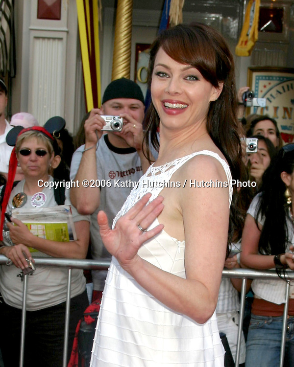 "Melinda Clarke.""Pirates of the Caribbean: Dead Man's Chest"" Premiere.Disneyland .Anaheim, CA.June 14, 2006.©2006 Kathy Hutchins / Hutchins Photo...."