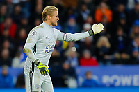 11th January 2020; King Power Stadium, Leicester, Midlands, England; English Premier League Football, Leicester City versus Southampton; Kasper Schmeichel of Leicester City issues instructions to his wall at a free kick - Strictly Editorial Use Only. No use with unauthorized audio, video, data, fixture lists, club/league logos or 'live' services. Online in-match use limited to 120 images, no video emulation. No use in betting, games or single club/league/player publications