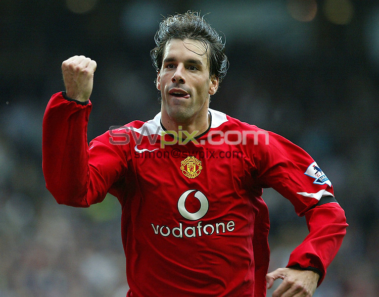 Pix by JOHN CLIFTON/SWpix.com - Football, Premiership, Manchester united v Manchester City, Old Trafford, Manchester, 10/09/05..Picture Copyright >> Simon Wilkinson >> 07811267706..Manchester United's Ruud van Nistelrooy celebrates scoring the first goal