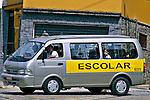 Veículo de transporte escolar em São Paulo. 2004. Foto de Juca Martins.