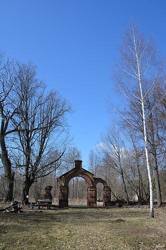 Ruine der abgebrannten Kirche in Swjatsk.