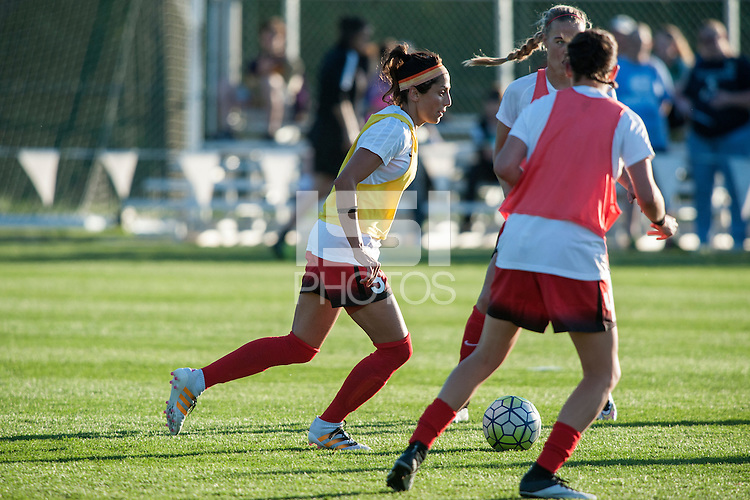 Kansas City, Mo. - Saturday April 23, 2016: Portland Thorns FC forward Nadia Nadim (9) warms up before a match against FC Kansas City at Swope Soccer Village. The match ended in a 1-1 draw.