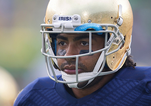 August 31, 2013:  Notre Dame Fighting Irish safety Matthias Farley (41) during NCAA Football game action between the Notre Dame Fighting Irish and the Temple Owls at Notre Dame Stadium in South Bend, Indiana.  Notre Dame defeated Temple 28-6.