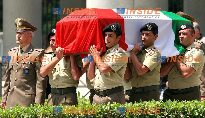 Roma 07-06- 2006 Basilica di San Paolo Fuori le Mura:Funerali di Stato del caporal maggiore Alessandro Pibiri, morto in Iraq.<br /> Photo serena Cremaschi Insidefoto