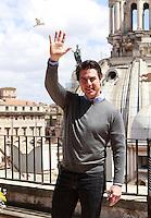 """20140527 ROMA-SPETTACOLI: TOM CRUISE A PIAZZA VENEZIA PER PRESENTARE """"EDGE OF TOMORROW"""""""