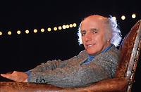 Gilles VIGNEAULT<br /> 1998<br /> Photo : CISFR -  DALLE<br /> 10928I