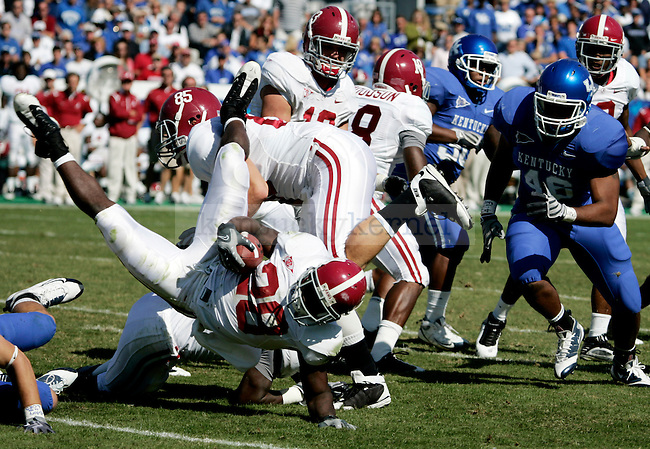 Javier Arenas gets stopped by UKs defensive line in the second half of Alabama's 38-20 win over Kentucky on Saturday, Oct. 3, 2009. Photo by Britney McIntosh | Staff
